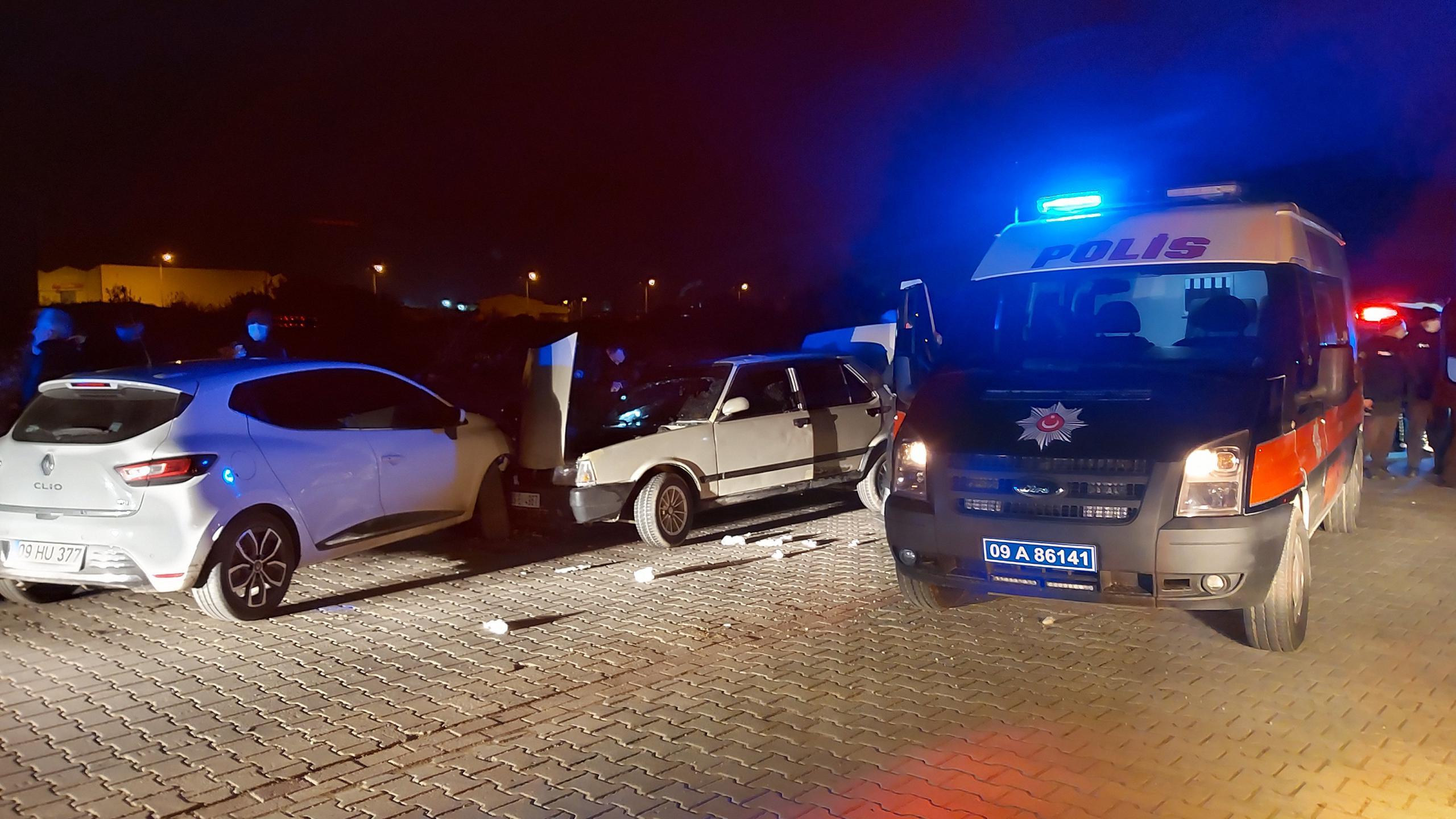 Nazilli'de Nefes Kesen Kovalamaca; Polis Arabasına Çarptı